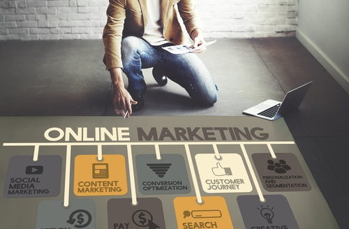 online marketing vs traditional marketing